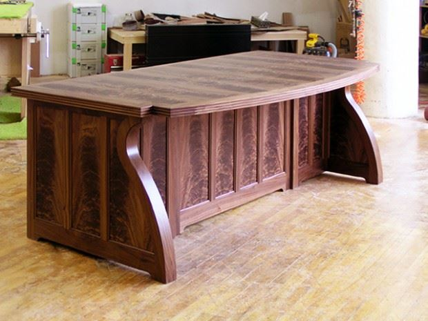 Sager Desk