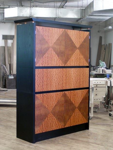 Lapensohn Cabinet