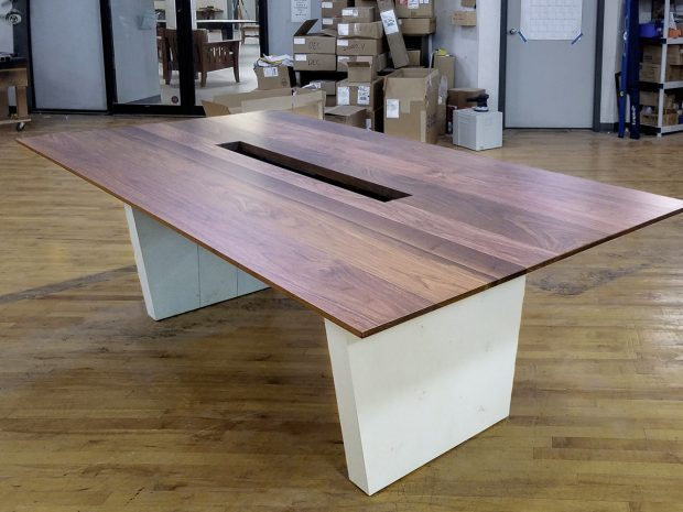 Zwilling – Community Conference Table