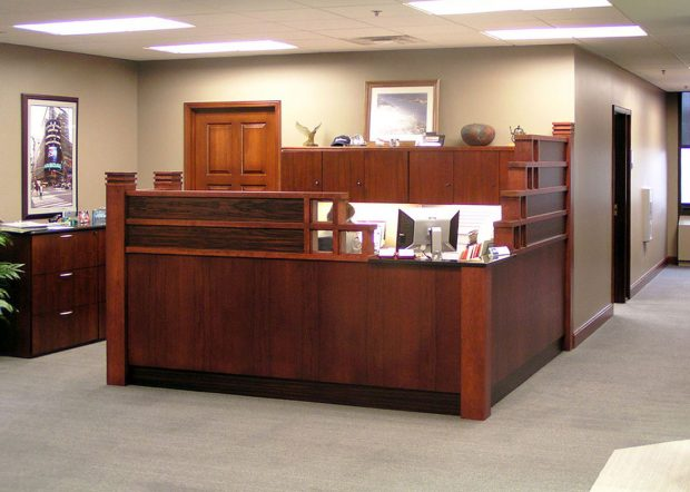 American Commercial Lines L Shaped Reception Desk