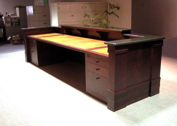 American Commercial Lines Modern Reception Desk